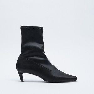 NWT. Zara Kitten Heel Ankle Boots. Size 11.